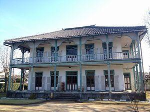 300px-Mr__Janes's_residence.jpg